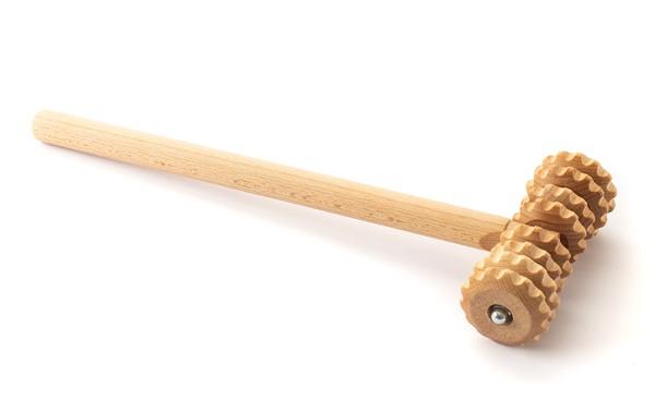 Holzmassage-Roller mit Stiel